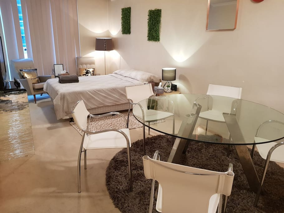 City Center Living Free Parking At Darling Harbour Apartments For Rent In Sydney New South