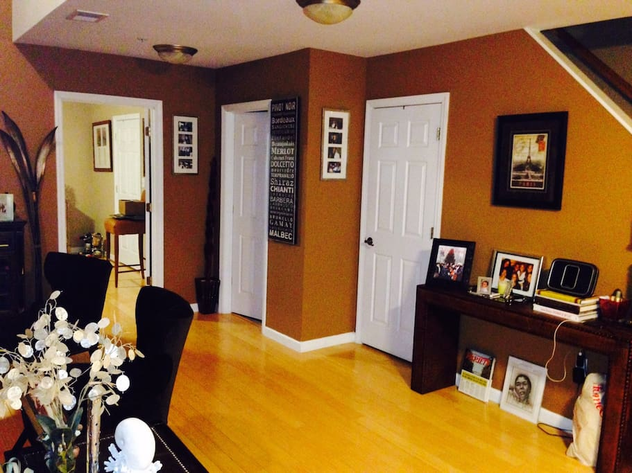 WELL LIT OPEN CONCEPT LAYOUT