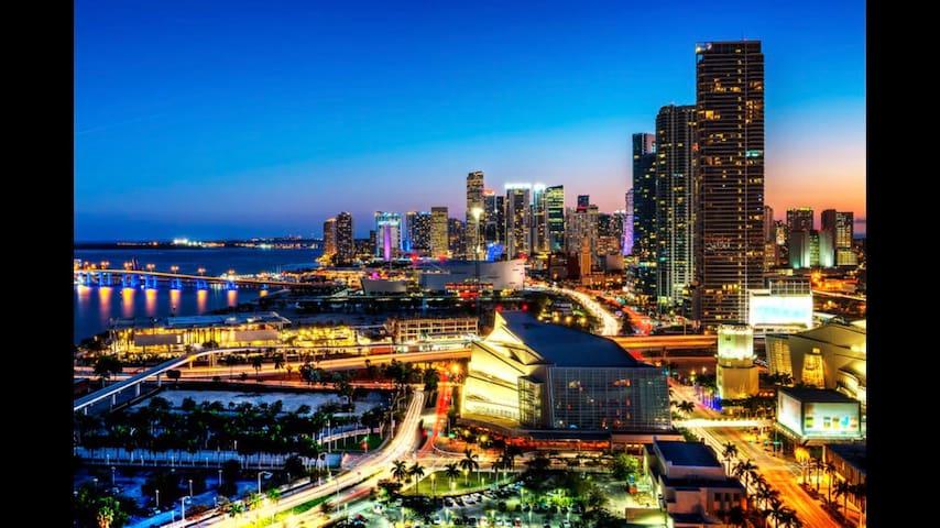 AMAZING APT Heart of DWTN Miami/Walk to Everywhere
