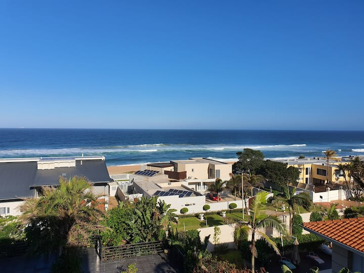 Great view. 2 min walk from the beach