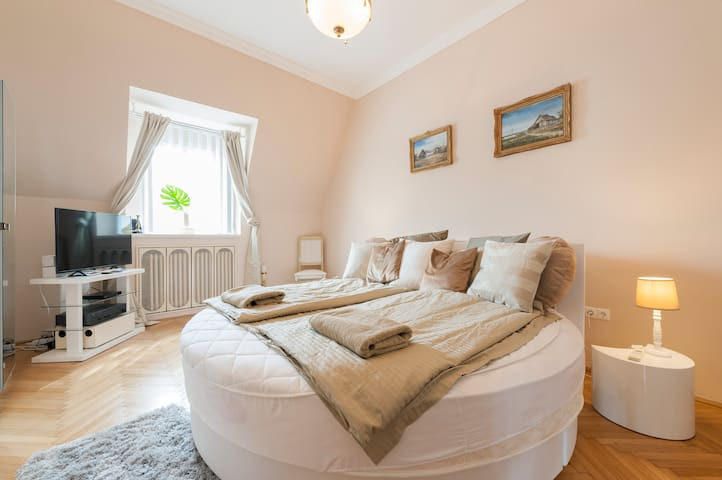 Basilica View with Rounded King Size Double Bed!