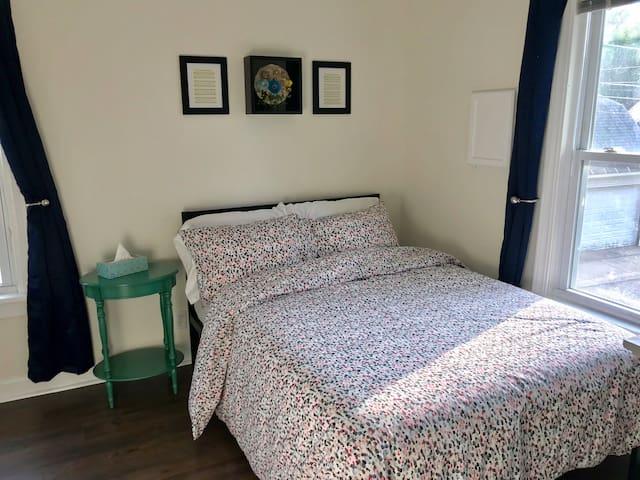 Second bedroom full bed.