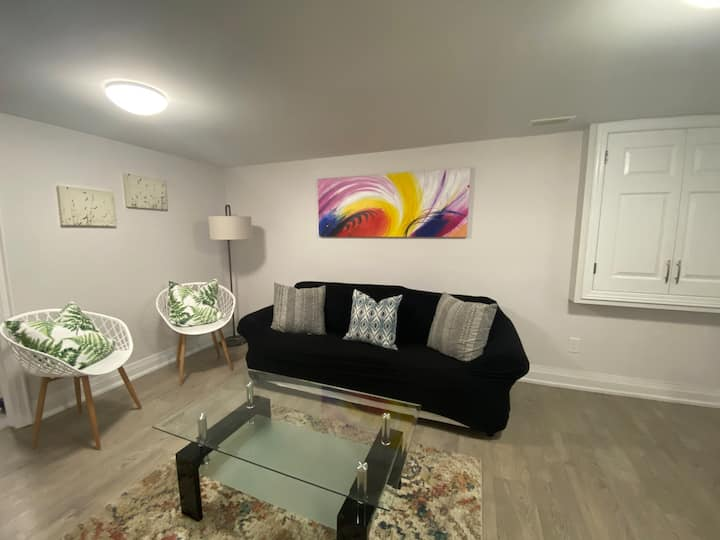 Private lower level suite ~luxury home w parking