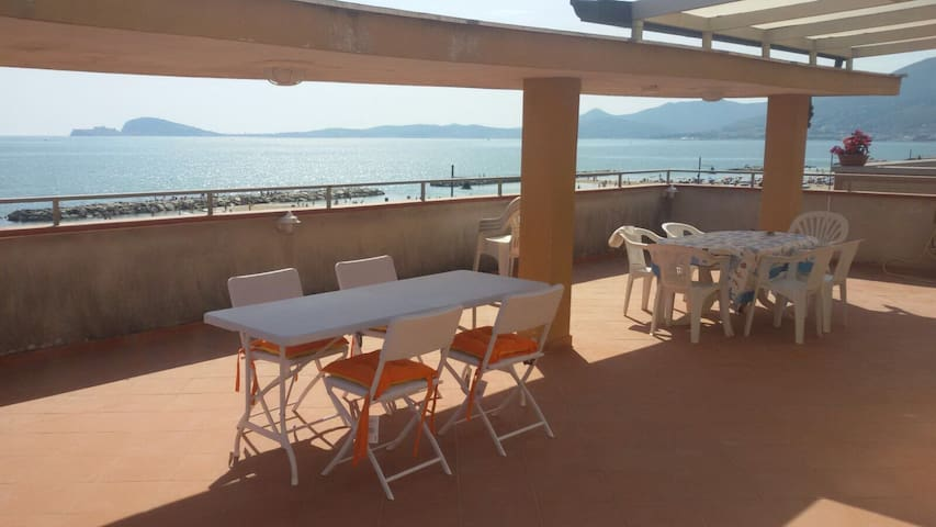 Penthouse with lovely view of sea in Formia