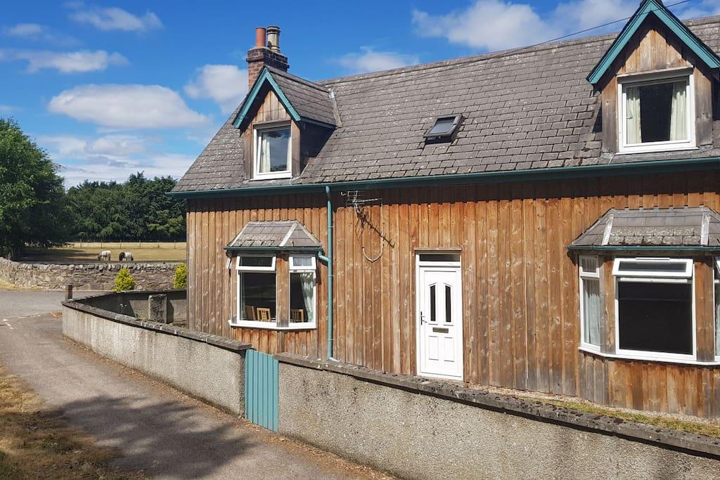 No.1 Dalmore Farm in the sunshine