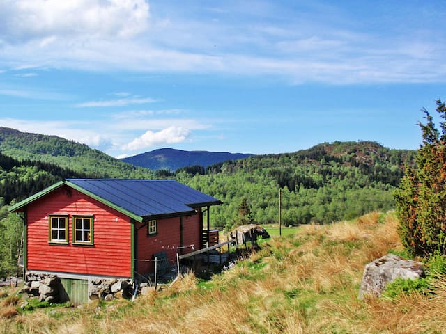 Comfortable holiday home in Uggdal