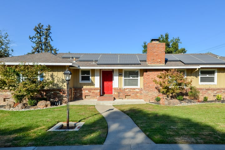 Renovated 3 Bed Home Very Close to Downtown Lodi