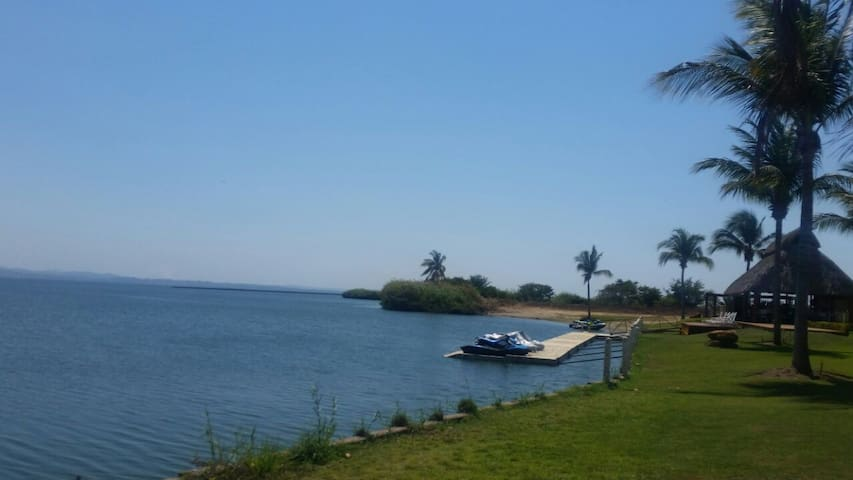 Acapulco Diamante acceso a Laguna tres palos--WIFI