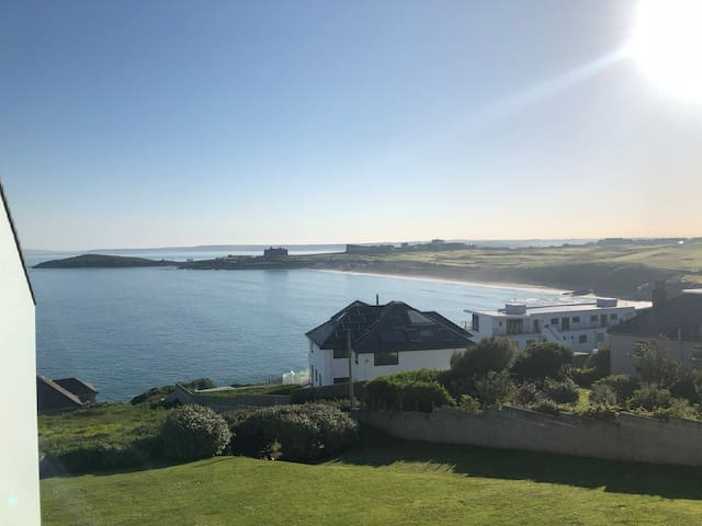 Whole house Pentire Headland (Pool from May-Oct)