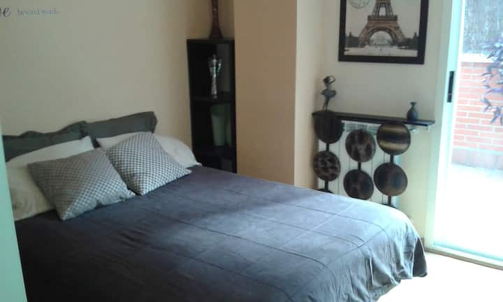 Huge room save&high standing residential area.