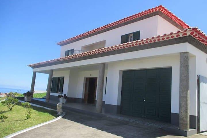 Pérola Achadense - Quarto Milhafre - Achada - Nordeste - House