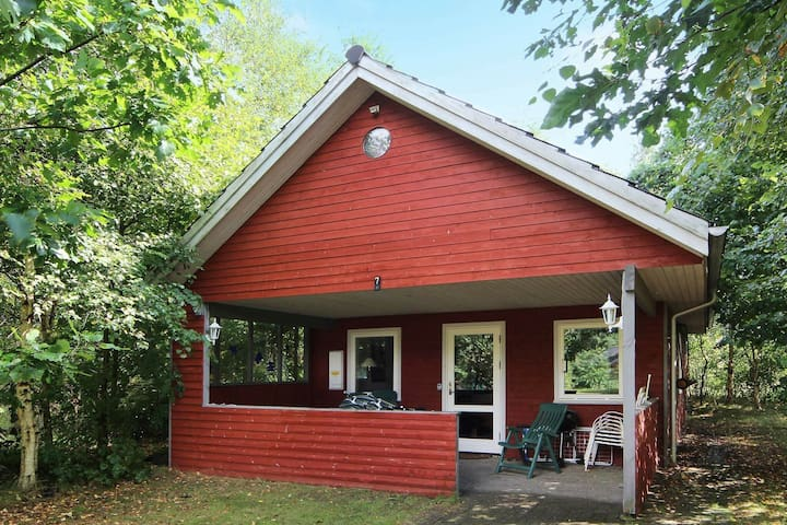 8 person holiday home in Kibæk