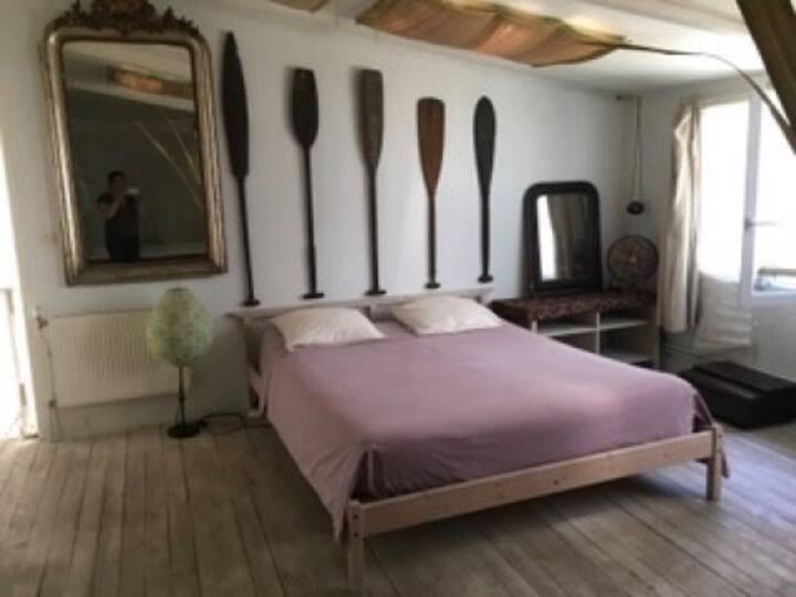 Loft en duplex, 3 chambres et petit jardin