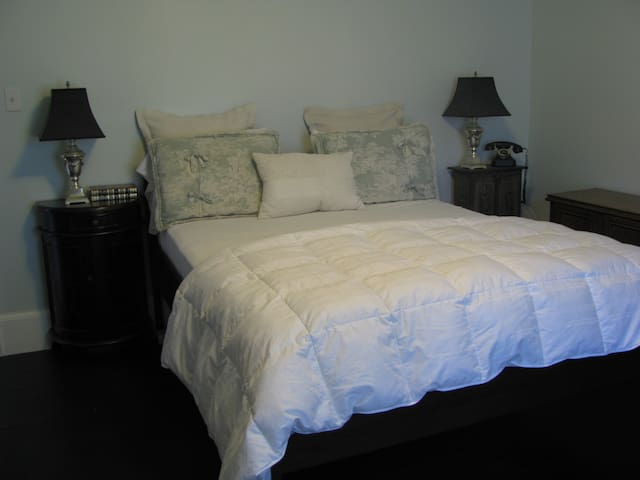 The Hemmingway...perfect for writers or anyone (single bed can be added for nominal amount)