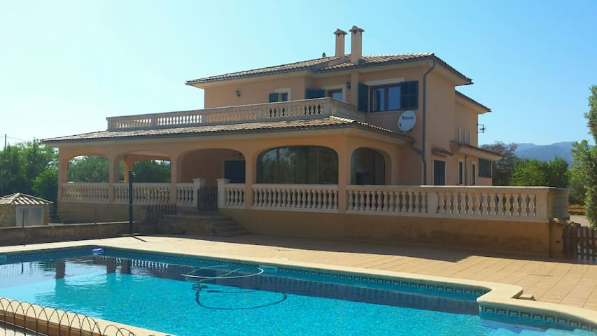Country villa with swimmingpool - 07330