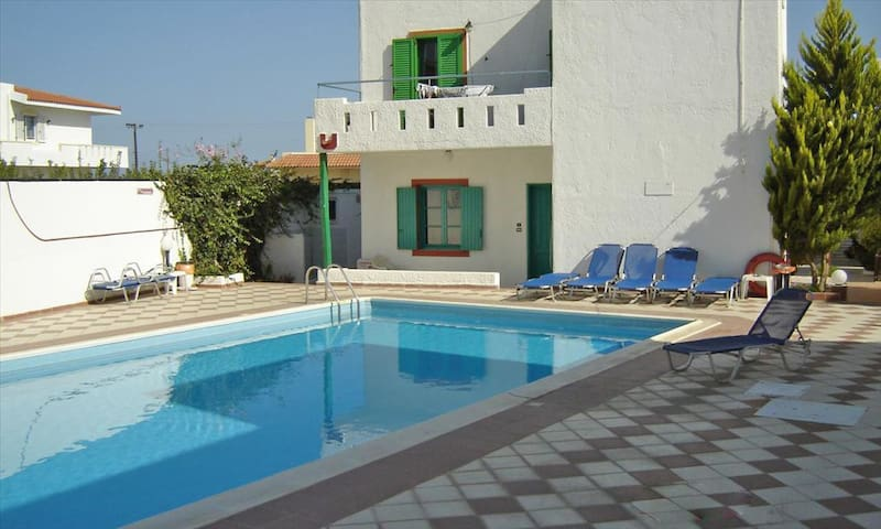 SUMMER HOUSE TO RENT - CRETA - Iraklio - Huvila