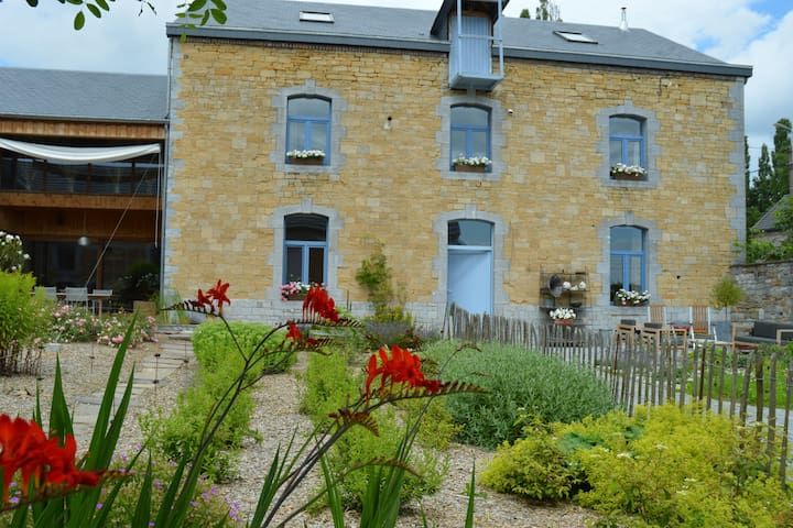 b&b aux4saules in an old square farm - Modave - Bed & Breakfast