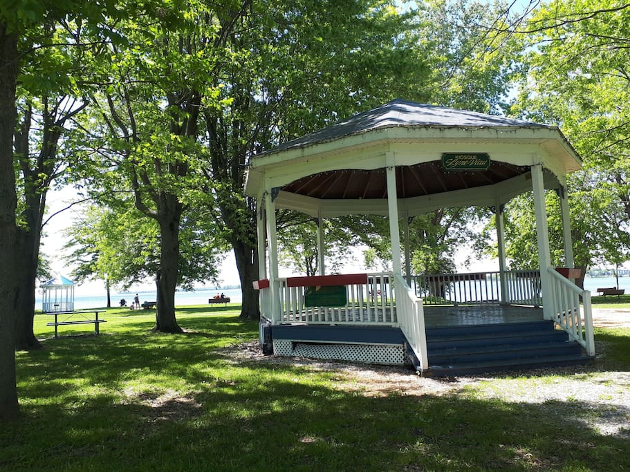 Enjoy swimming and picnic tables and shade trees at Jamison Park less that a 10 minute drive from the chalet.  Besides the gazebo there is playground equipment and washrooms.  We enjoy playing music here too.  Swimming is free here. Venise also has two beaches across from campgrounds where swimmers pay a small fee.