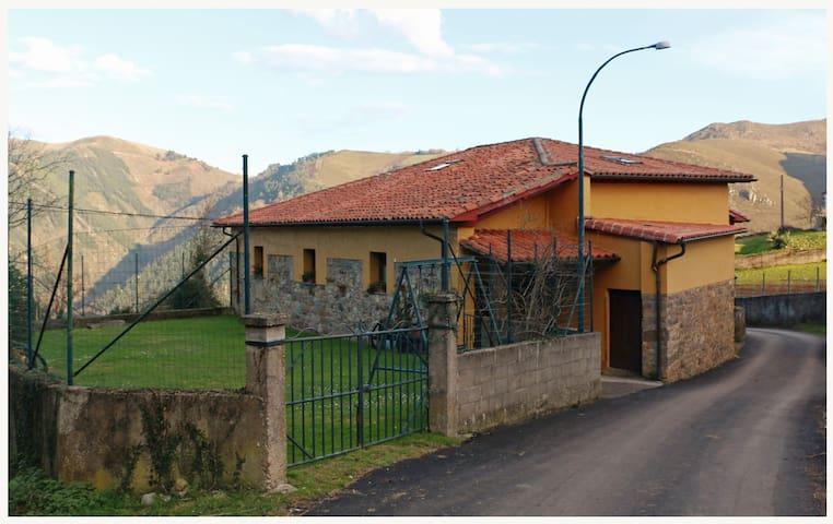 Casa Rural L´Andorvio - Leiguarda - Casa