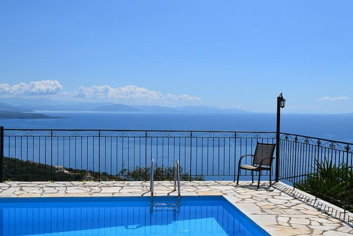 Villa Sinialo, tranquil loction, stunning views.