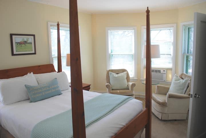 Queen Room 24 at Anne's Washington Inn