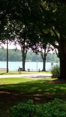 Amazing Lake Norman View.