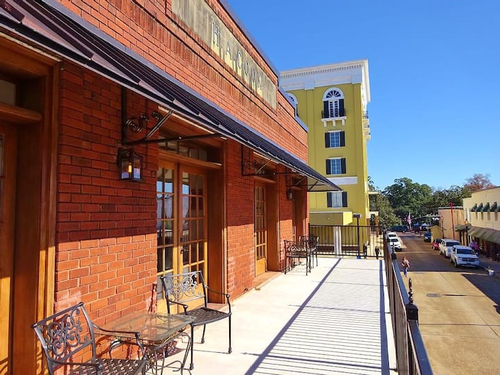 Downtown Natchitoches for Rent-20% OFF 2/15-5/15!