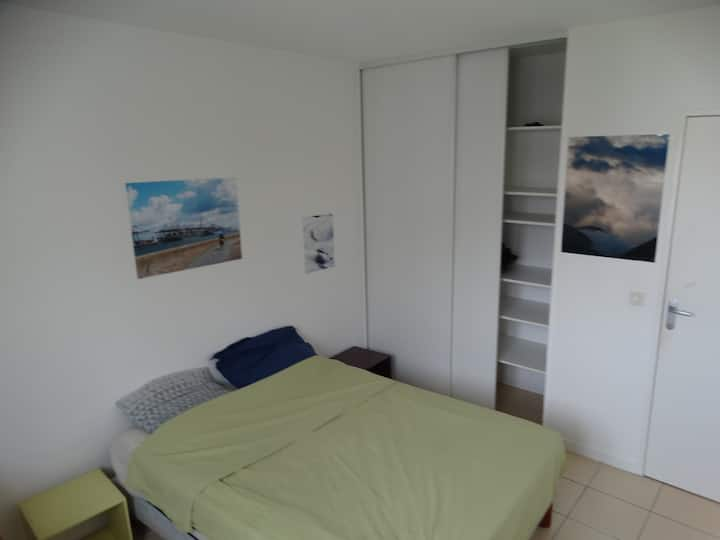 Lyon 7 : Chambre calme, 5min à pied de Jean Macé