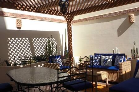 Appartement standing 140 m² dans quartier calme. - Agadir