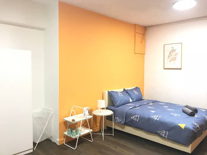 Specious Private Bedroom  @ Chinatown MRT