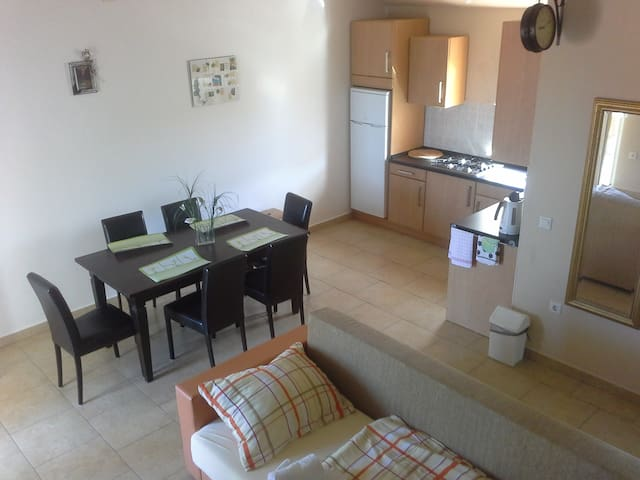 Hot Beat Of Sea In Area 1 App 7 for 6 persons - Novalja - Appartement