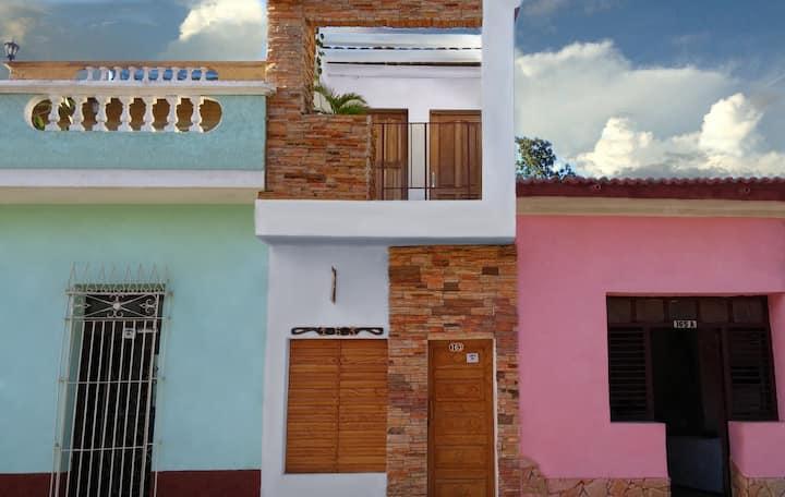 Hostal Cabriales,centricas habitaciones,terrazas