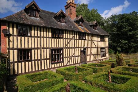 Talgarth Manor - Trefeglwys - Casa