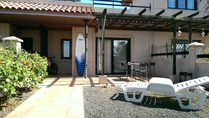 House on the spot  of Majanicho Beach - La Oliva - House