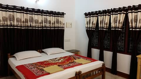 Spacious And Placid HOME STAY in FORT KOCHI.