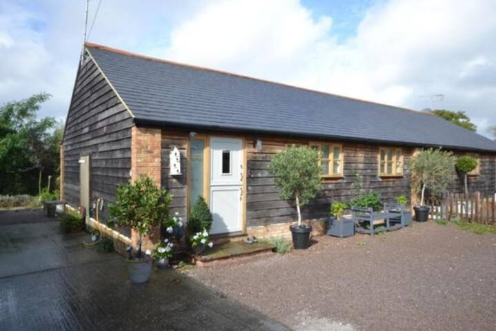 CHICHESTER OLD BARN IN QUIET HAMLET - Westergate - Rumah