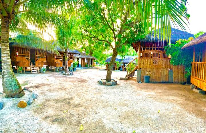 Camp Laiya Beach > Kasita 3pax w/AC