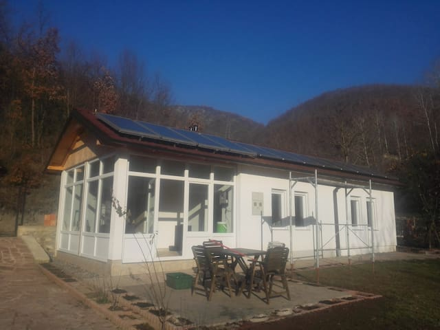 Karadaku Guest House in Kosovo - บ้าน