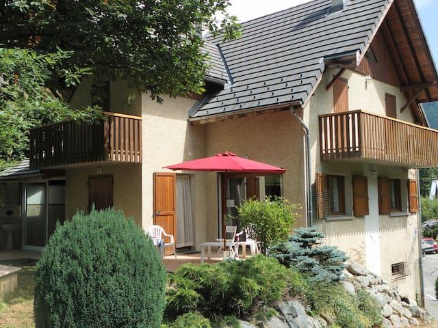 Maison individuelle 8-9pers, proche Alpe D'huez
