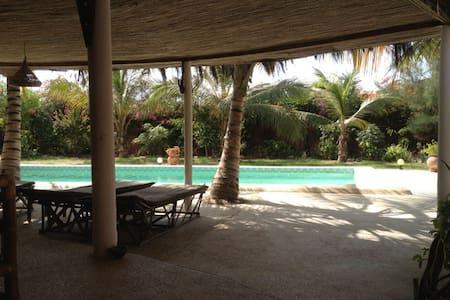 Chambre à louer dans maison villa - Ouoran
