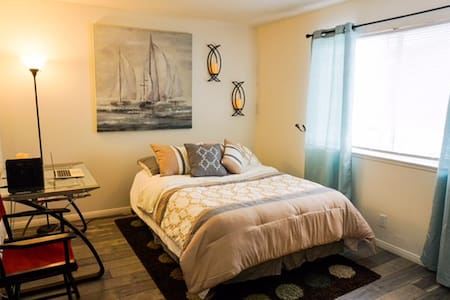 Private room near the Beach and Oxnard airport