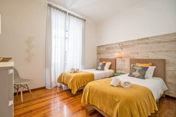 ShortStayFlat - In the Heart of Historic Downtown