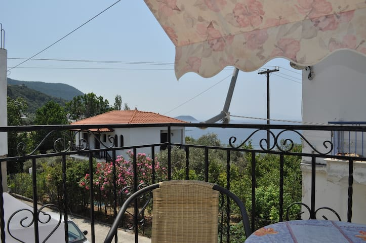 Private studio with balcony - Sporades - Apartment