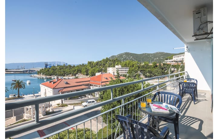 Beautiful home in Ploce with WiFi and 2 Bedrooms