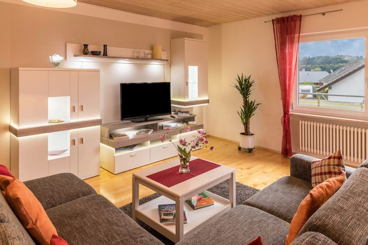 "Newly Renovated Apartment ""Ferienwohnung Jansen"" with Wi-Fi, Balcony & Loggia; Parking Available"