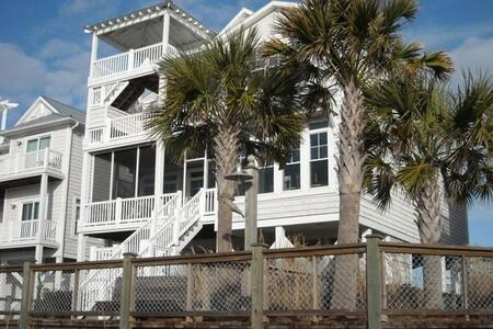 Beautifully Decorated Accessible Beach House - Ocean Isle Beach - House