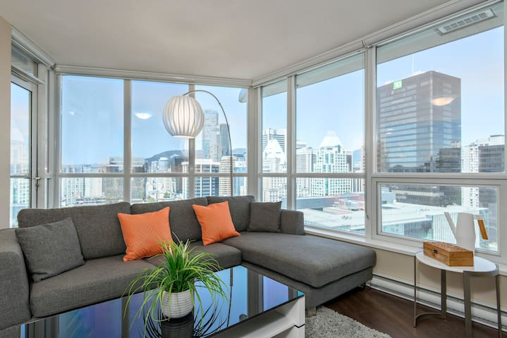 FIRST CLASS LUXURY LIVING IN DOWNTOWN CITY CENTER