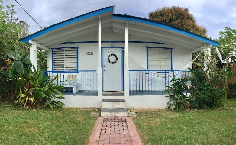 Beach Cottage Esperanza A/C Fruit trees & SUV! - Vieques - Hus