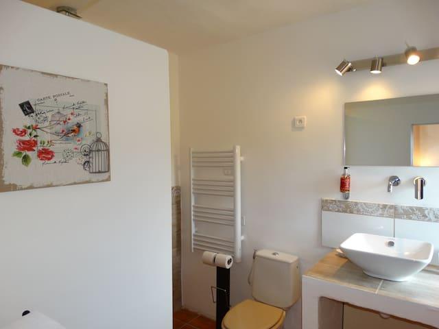 Chambre d'hôte Le Vallon des Palombes - Fox-Amphoux - Casa