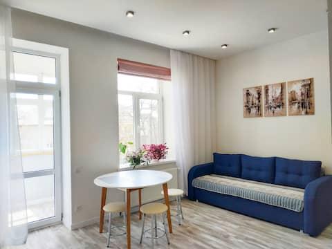 Тихая и уютная квартира на Французском бульваре.